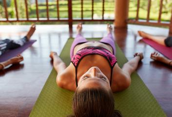 Jak jsem objevila druhou stranu dynamické jógy – jin jóga