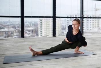 Proč je výdrž v ásaně tak důležitá a jaký je rozdíl mezi jógou a gymnastikou?