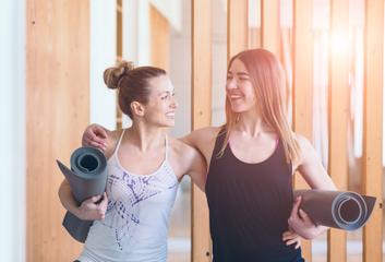 Jak nám jóga pomáhá s budováním a udržováním vztahů?