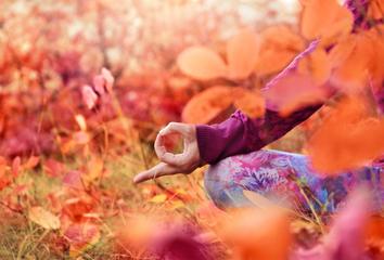 Jak na podzim probudit kreativitu a jak s tím pomůže jóga?
