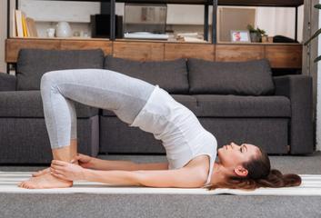 Bylinky a jóga na ženské téma