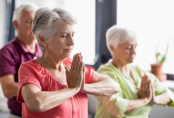 Jóga jako pomoc při Alzheimerově chorobě