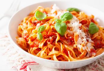 Tagliatelle s domácí rajčatovou omáčkou