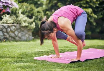 Jóga a svaly: Jak při ní pracují a jak poznáte, že je zapojujete správně?
