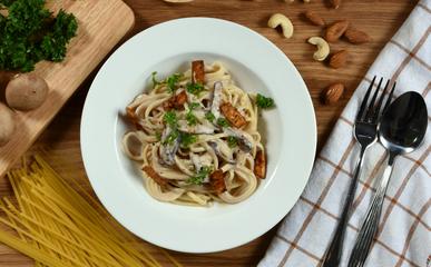 """Veganské špagety """"carbonara"""""""