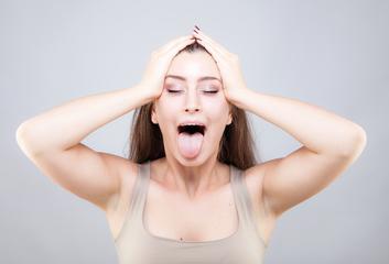 Techniky obličejové jógy pro zářivou pleť