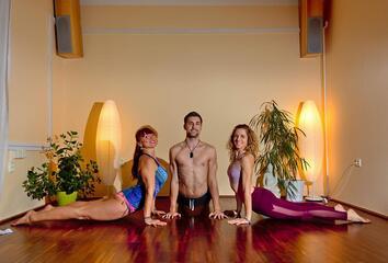 Adventní jógová výzva s časopisem Jóga DNES