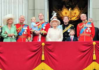 Členové královské rodiny milují jógu