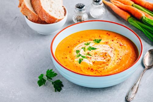 Pikantní mrkvová polévka s kari