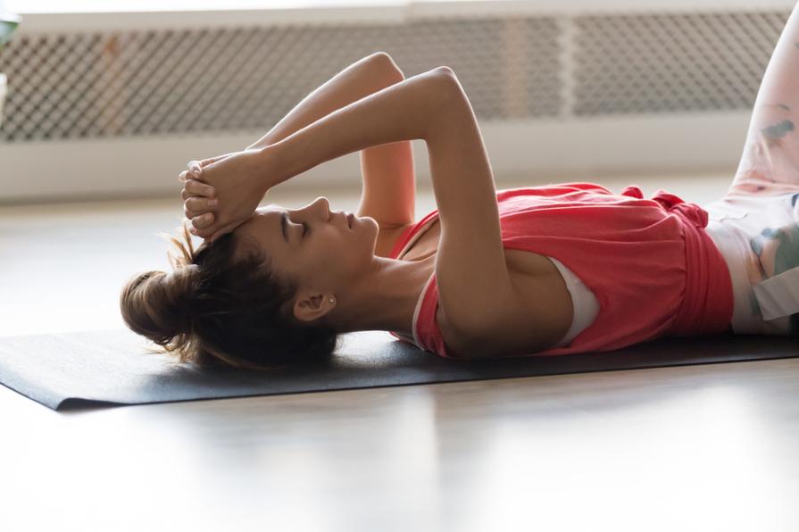 Jak na jógové podložce pracovat s myšlenkami?