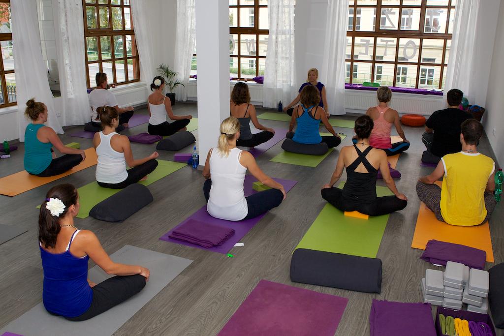yoga v praze